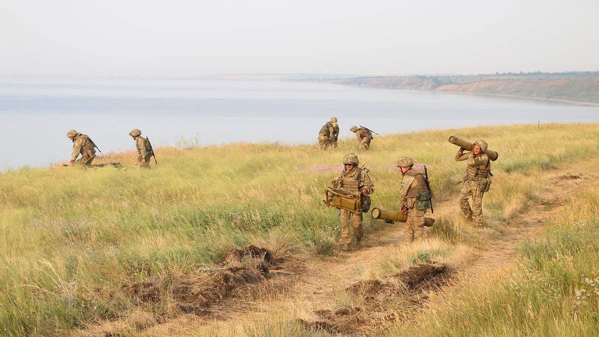 Бойцы ВСУ отработали удары по морскому десанту врага