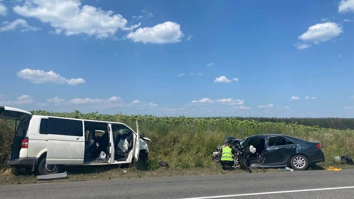 В результате аварии на Луганщине пострадали 9 человек