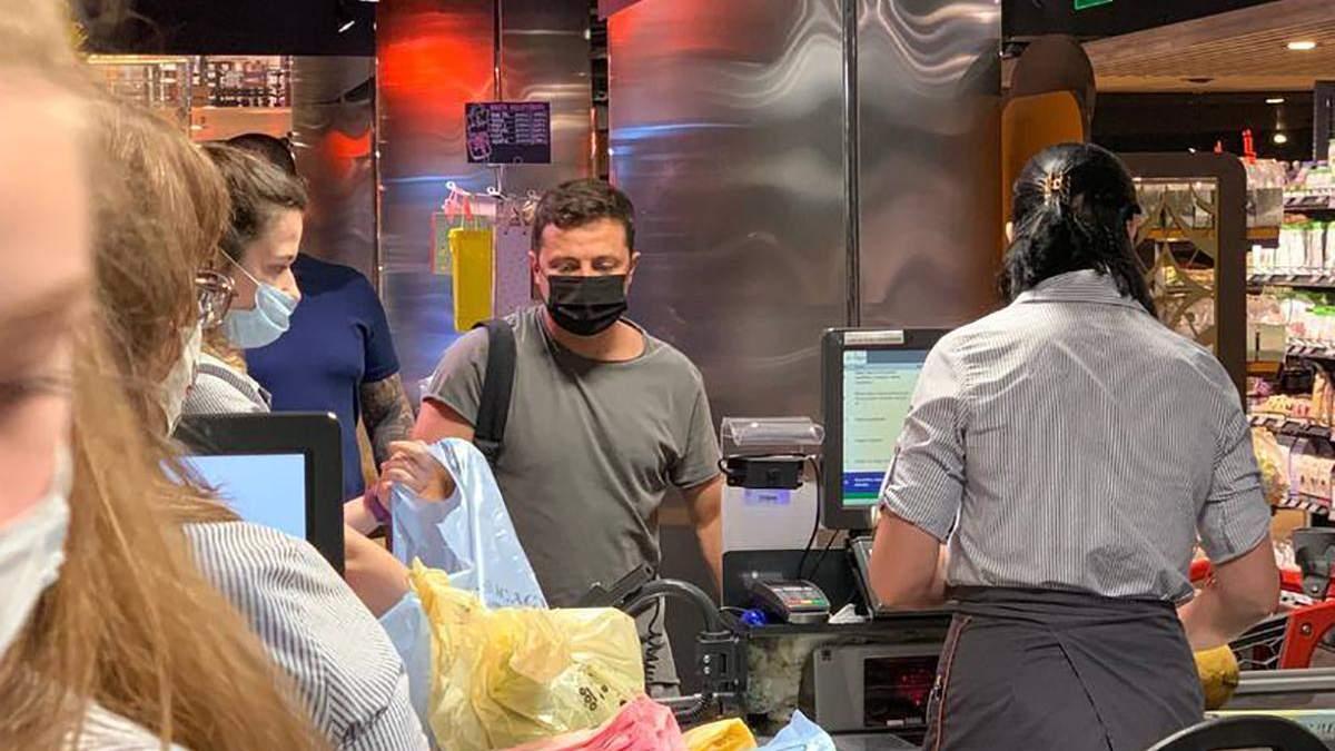 Зеленського зі сином і охороною помітили в одному з супермаркетів Києва