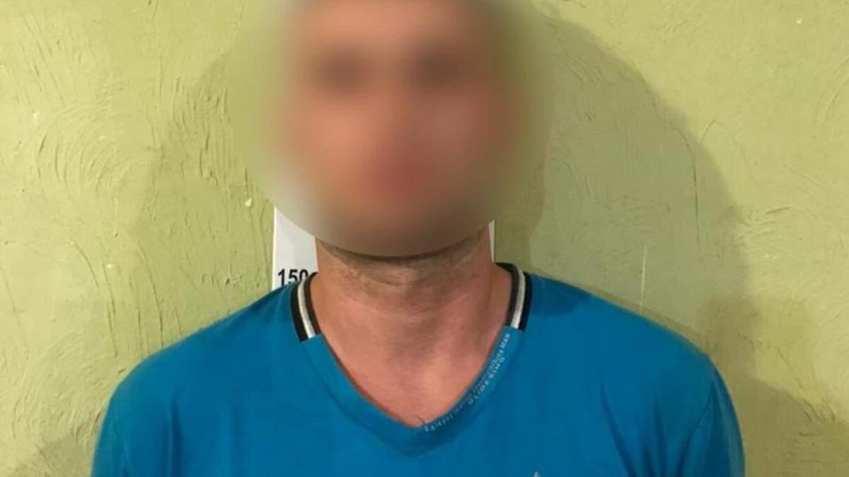 Двічі зґвалтував та возив містом: у Сумах чоловік знущався з дівчини