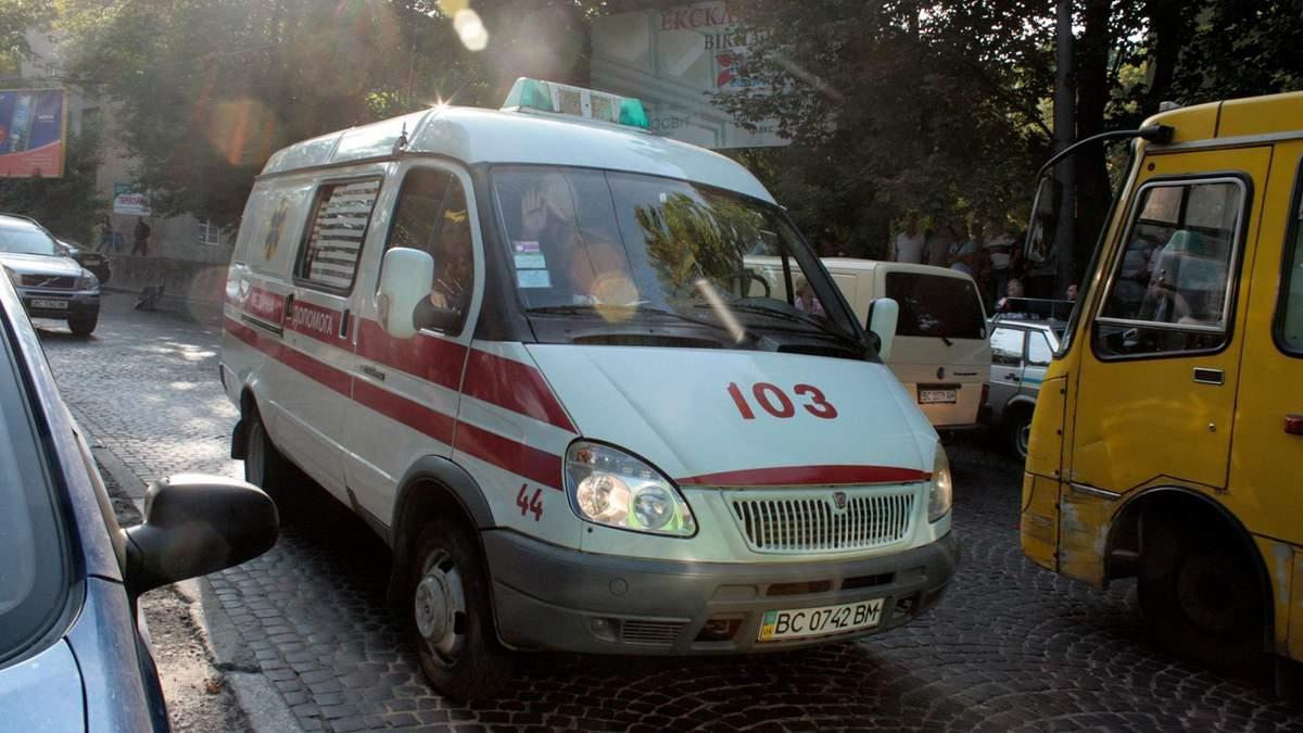 В Броварах женщина ударила в лицо фельдшера скорой