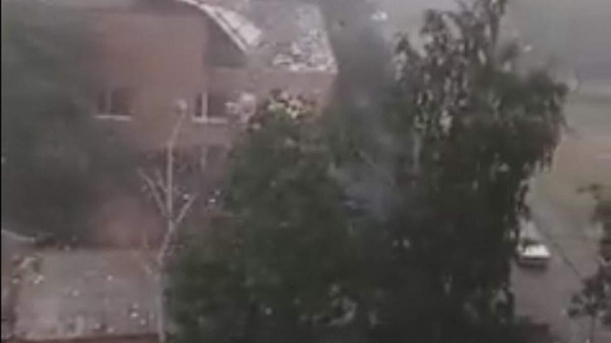 На Миколаївщині буря знесла дах будівлі суду: фото, відео