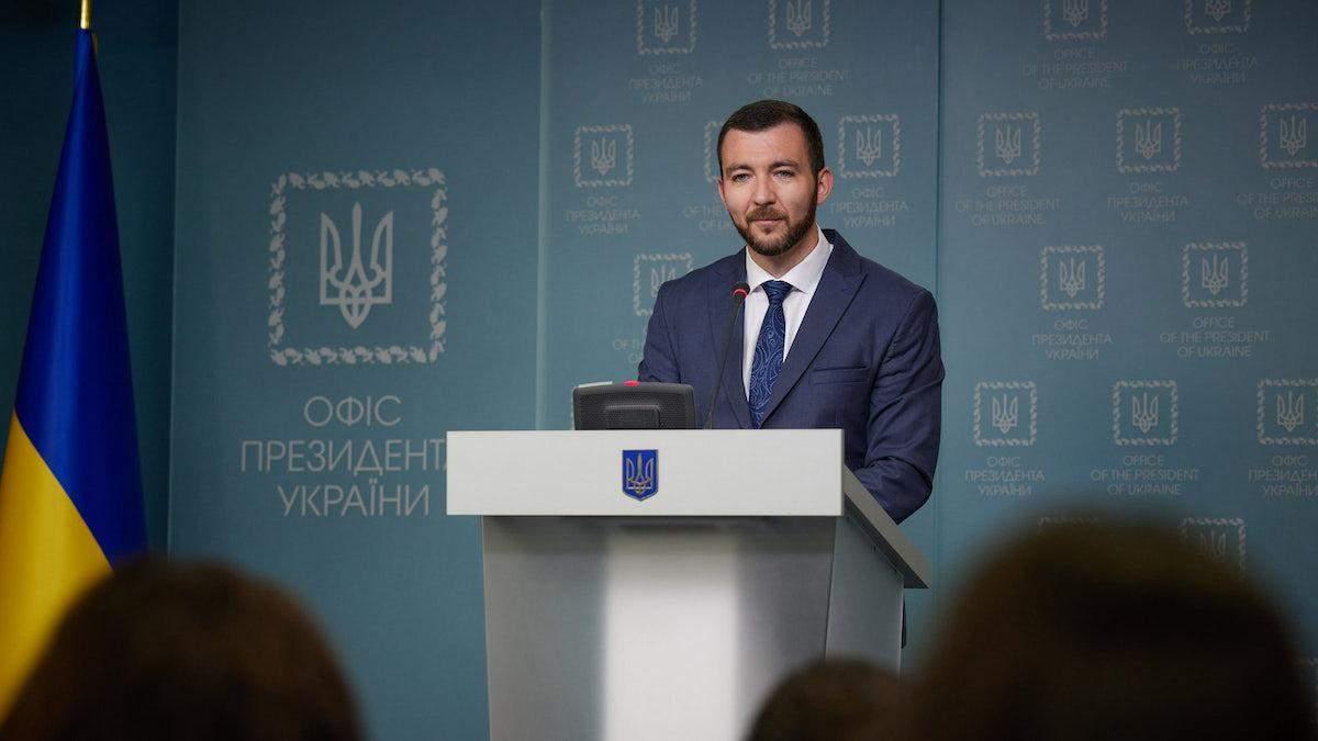 Никифоров підбив підсумки першого місяця роботи речником президента