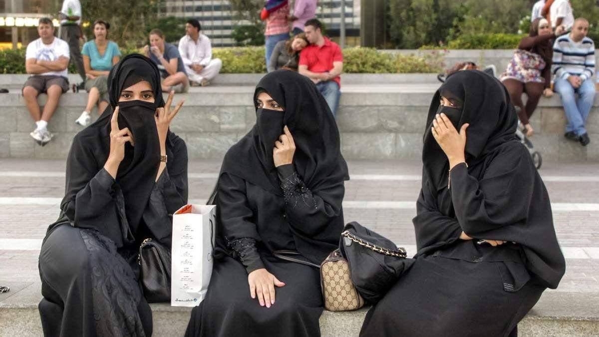 Туристи із Саудівської Аравії масово заполонили Буковель: фото з курорту