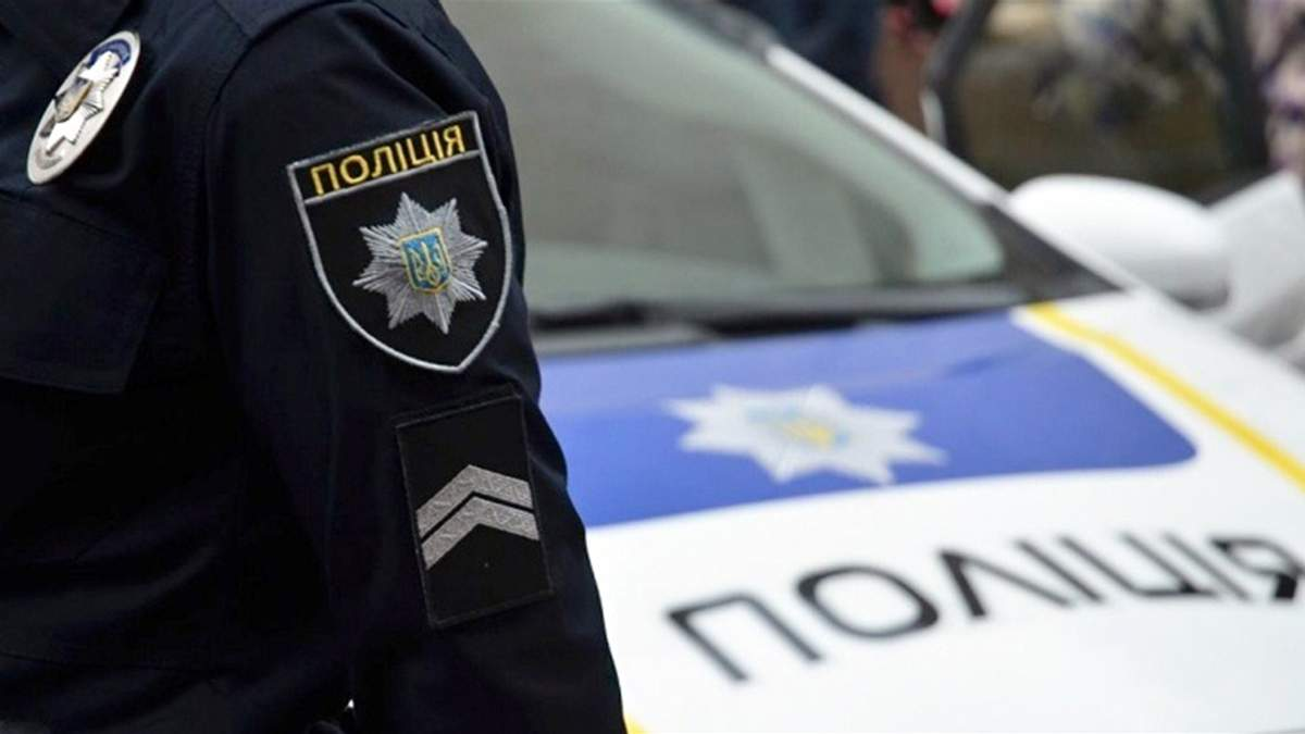 У Дніпрі водій вдарив сокирою поліцейського: що відомо