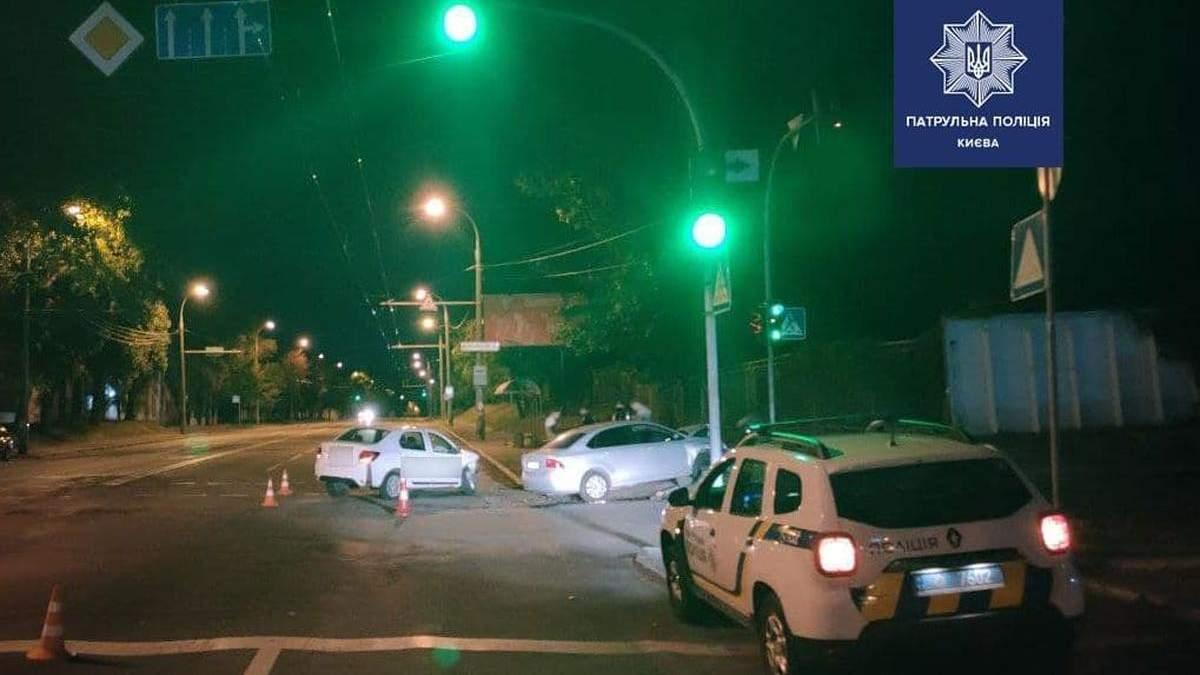 В Киеве пьяный водитель совершил ДТП, в котором пострадал его ребенок
