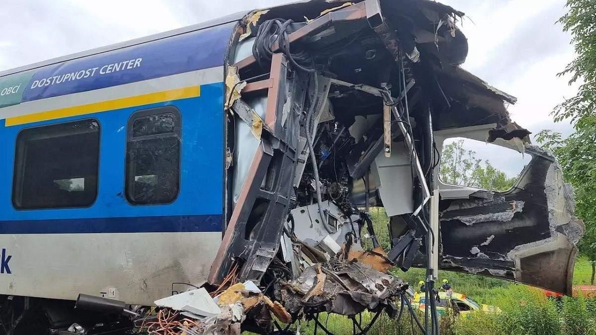 В Чехии столкнулись поезда 4 августа 2021: есть жертвы - фото