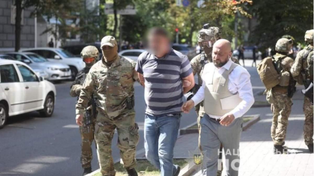 Чоловіку, що захопив уряд, загрожує до 15 років ув'язнення