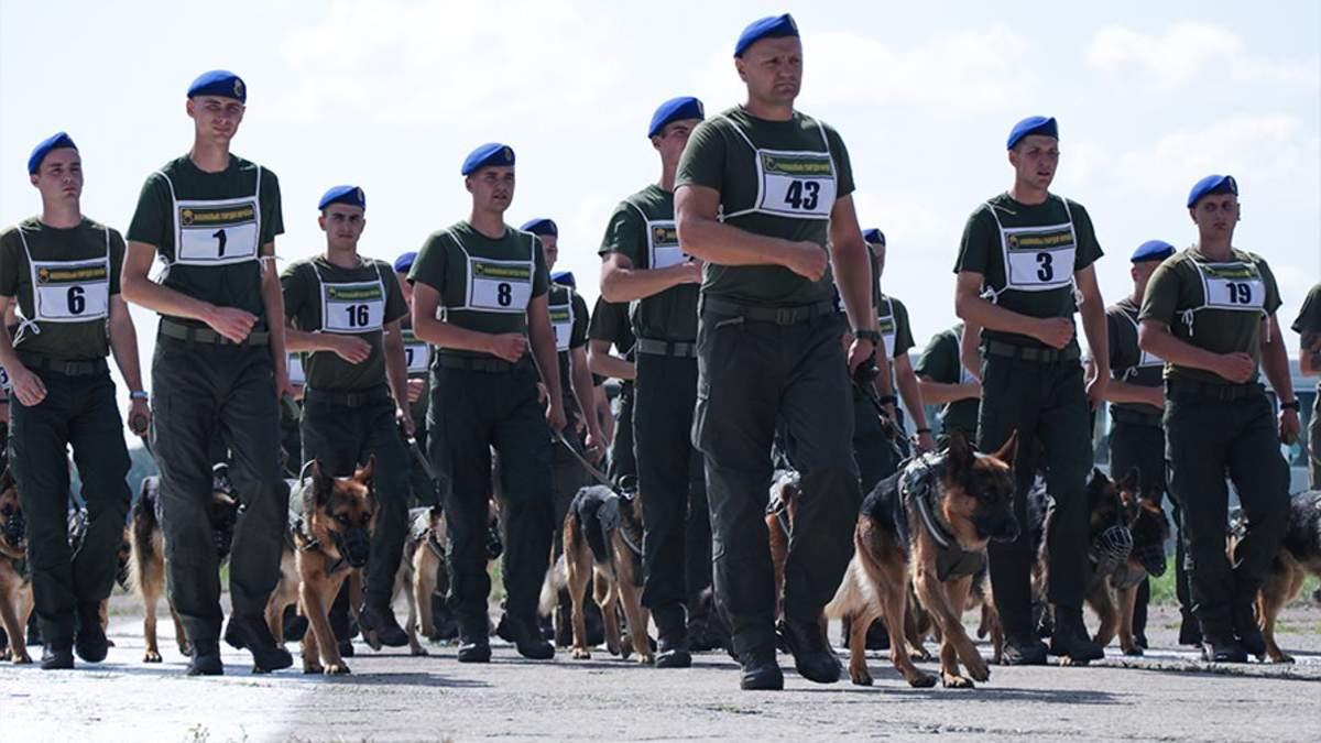 Военные провели первую репетицию парада ко Дню Независимости: фото