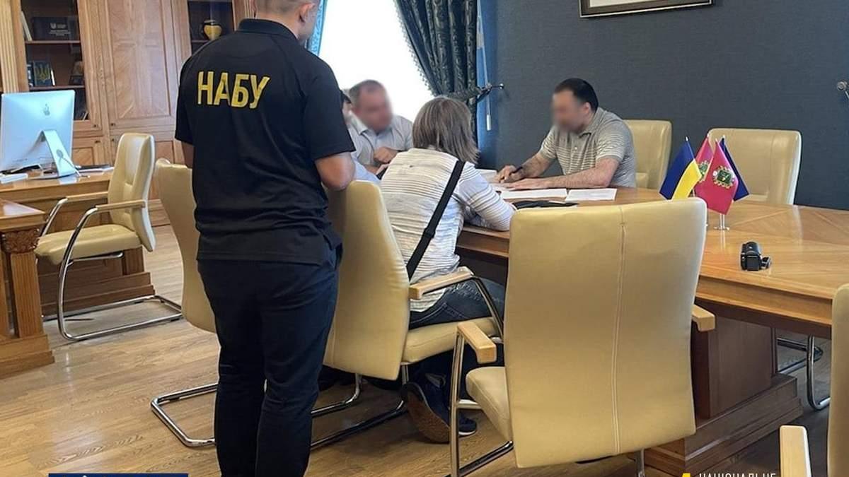 НАБУ сообщил о подозрении главе Харьковского облсовета Артур Товмасян