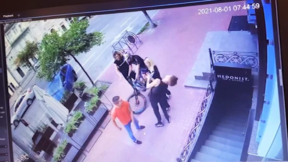 Бойца УГО, который избил танцовщика балета Дорофеевой, уволили