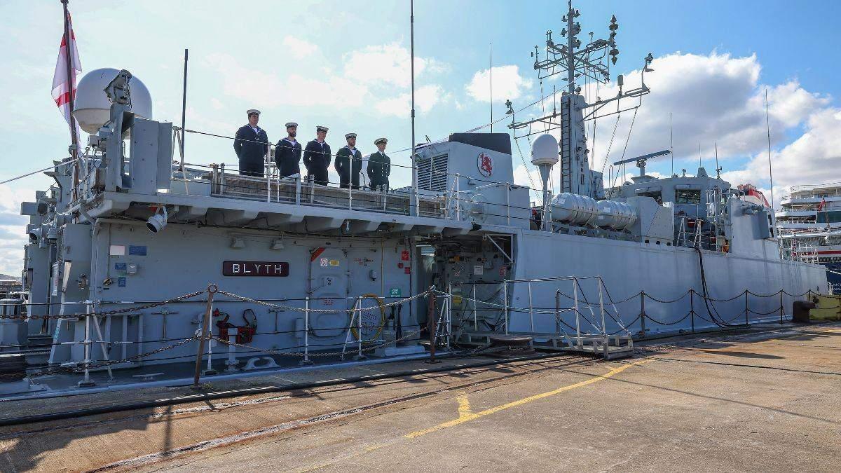 Великобританія передасть Україні 2 протимінних кораблі класу Sandown
