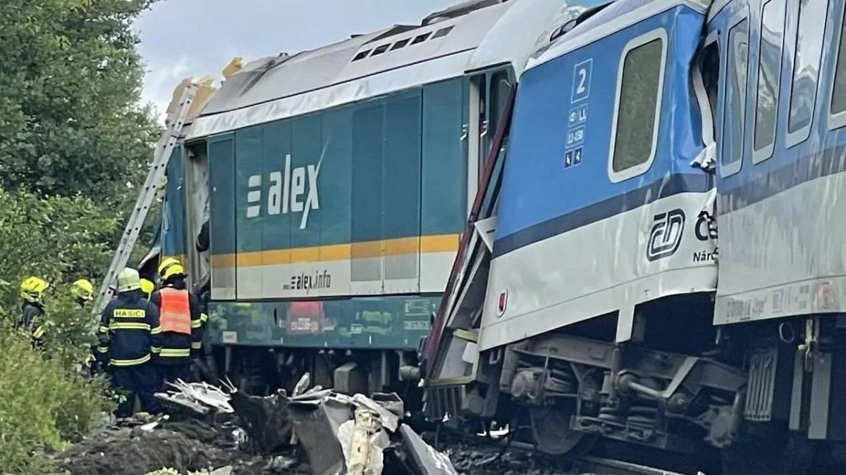 Зіткнення потягів у Чехії: кількість жертв зросла