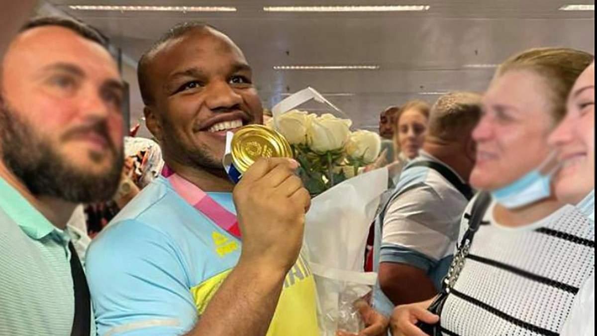 В Киеве встретили победителей Олимпиады Беленюка и Насибова