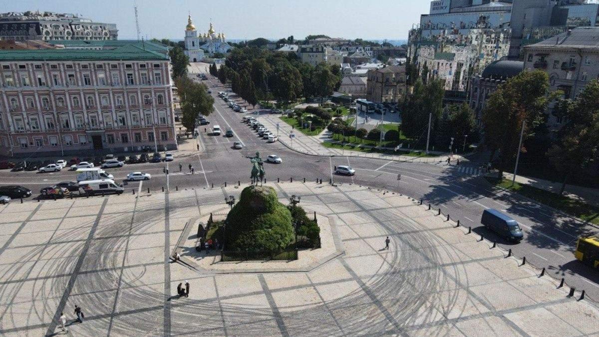 Дрифт на Софіївській площі: відмова КМДА – документи
