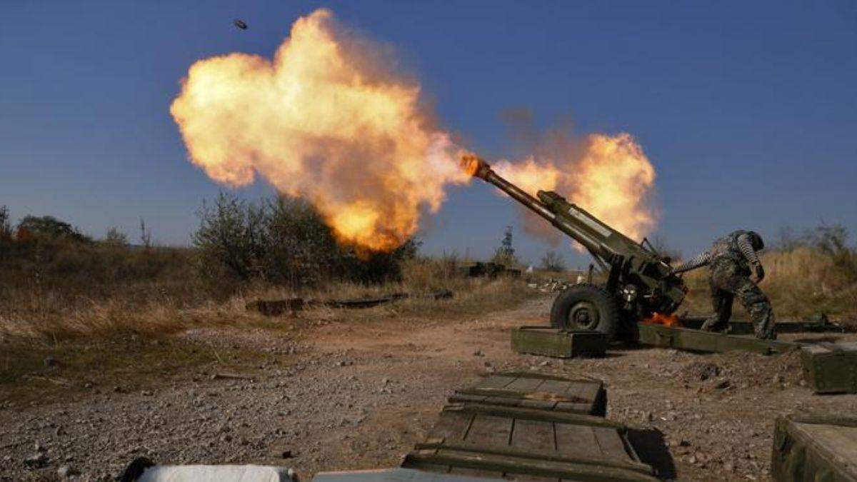 Військові на Донбасі потрапили під потужний обстріл: є поранені