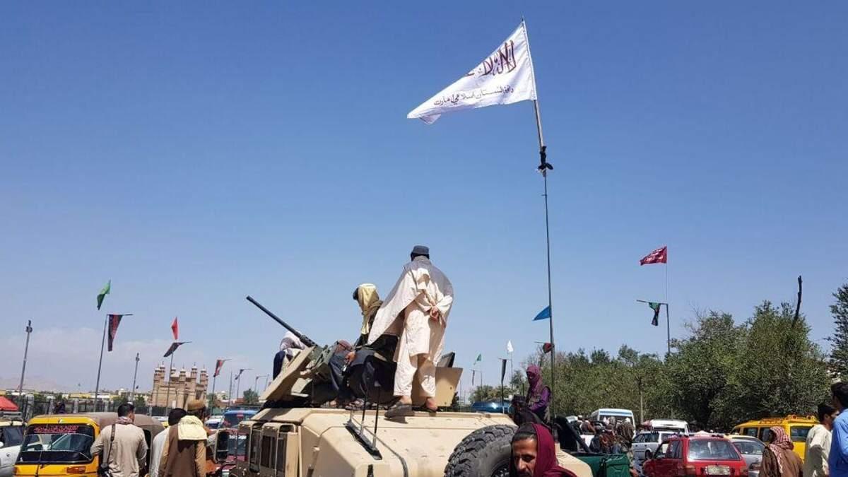 """""""Об эвакуации даже не слышали"""": из Кабула пытаются выехать 12 украинцев"""