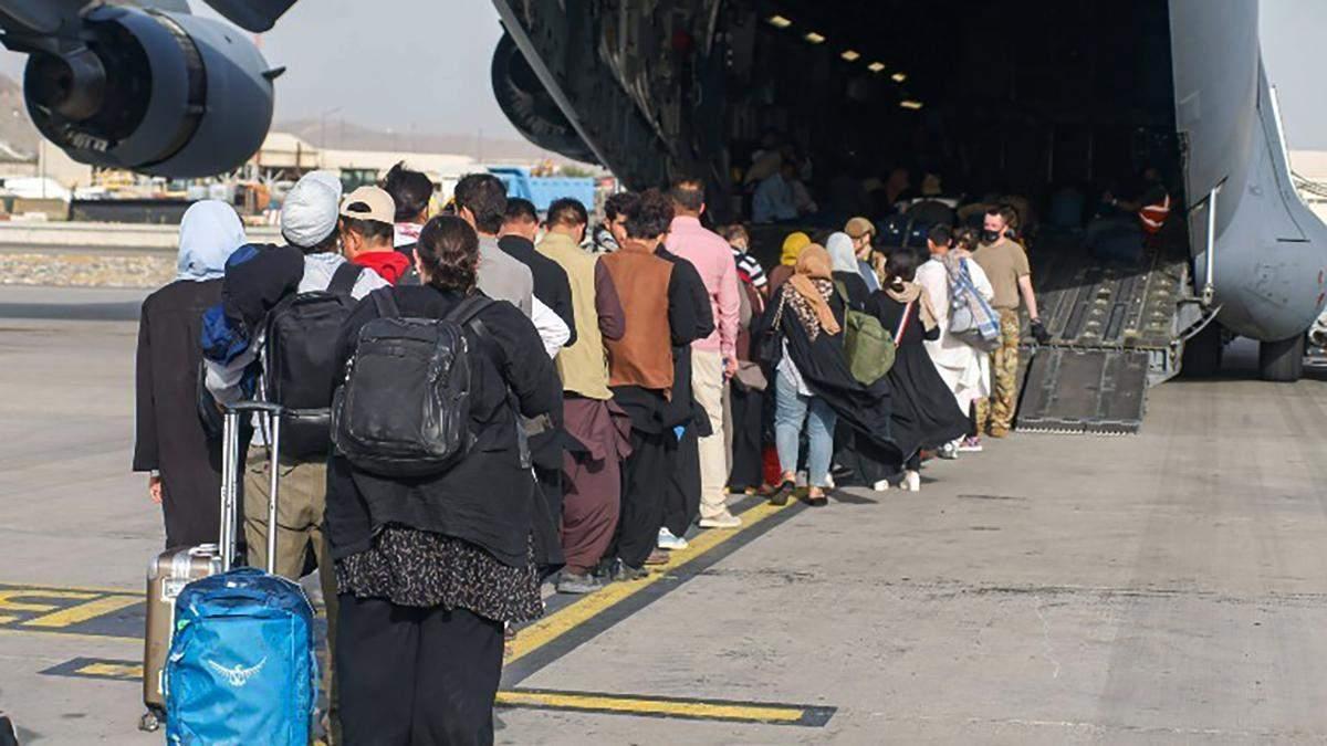 """""""Не залишимо жодного українця"""": скільки ще наших громадян чекають на евакуацію з Афганістану - Україна новини - 24 Канал"""