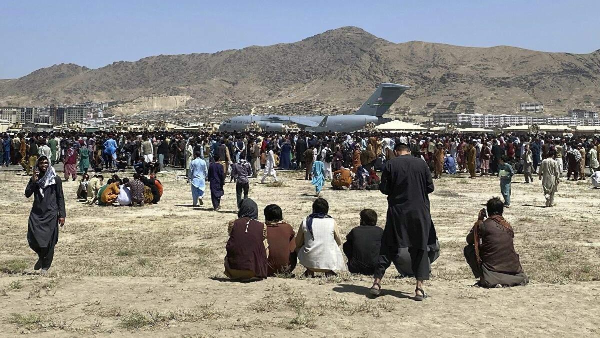В аеропорту Кабула сталася стрілянина: у бій вступили військові США та Німеччини - 24 Канал