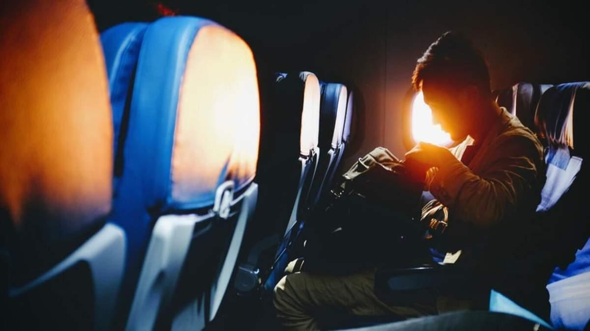 В США на борту самолета вспыхнул телефон пассажира