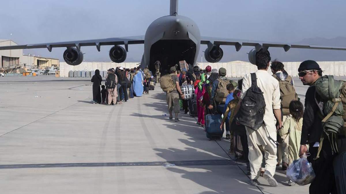 Ситуацію в аеропорту Кабула хоче контролювати Туреччина, а Канада відмовляється від евакуації - 24 Канал