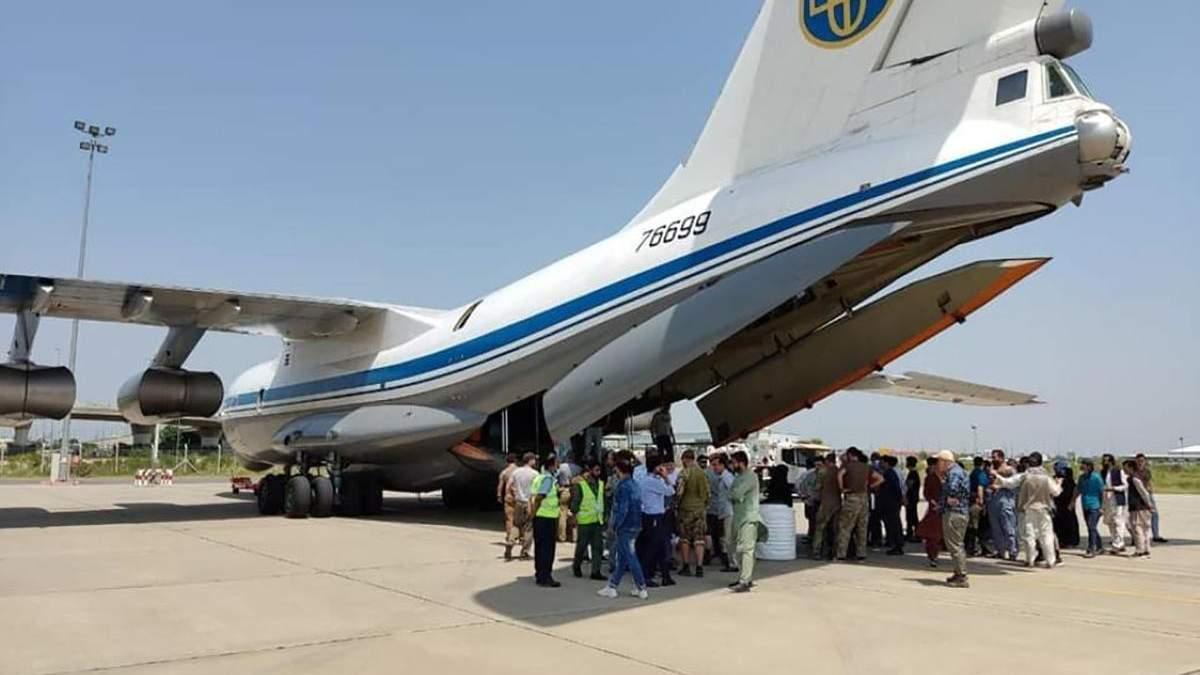 Україна у своїй історії не мала таких умов, – у МЗС розповіли про евакуацію з Афганістану - Україна новини - 24 Канал