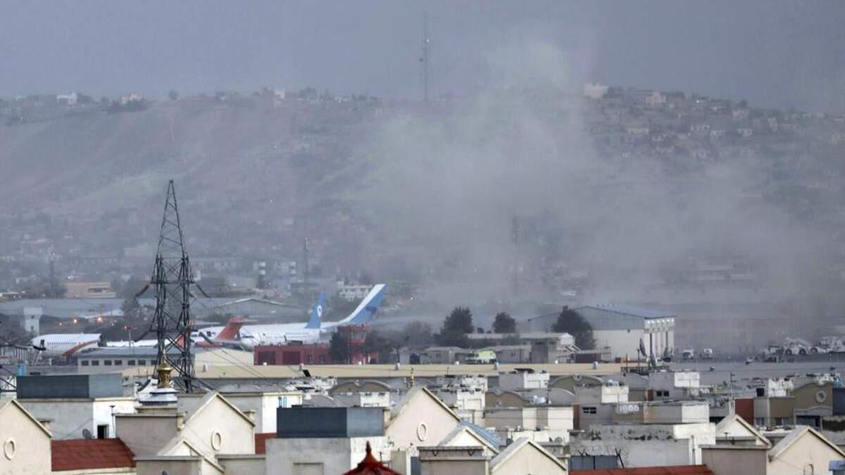 Взрывы, стрельба и хаос: ситуация в Афганистане начинает выходить из-под контроля - 24 Канал