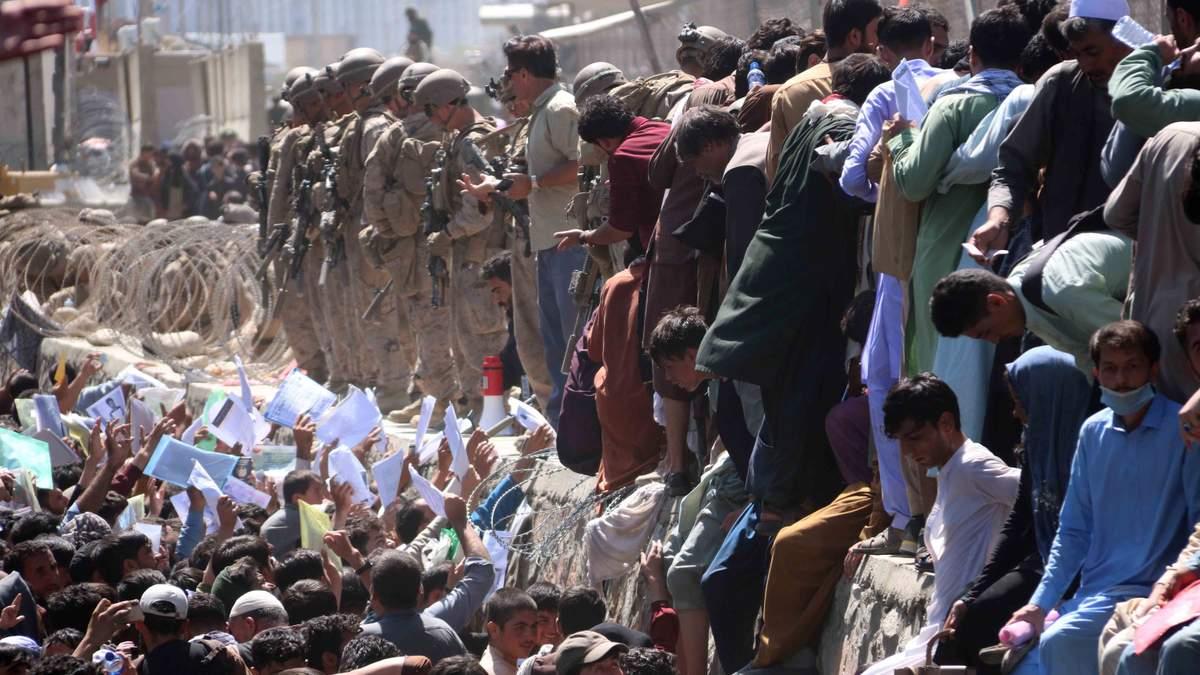 Возле аэропорта Кабула произошла стрельба, – СМИ