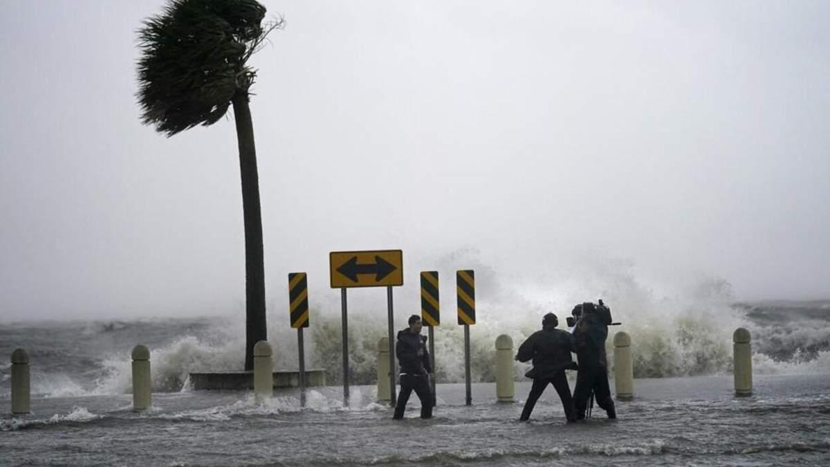 Может нанести значительные разрушения: к США приближается ураган Ида, люди напуганы