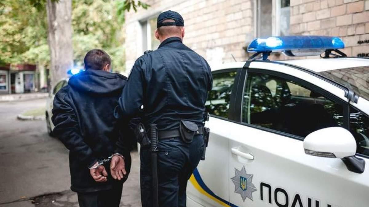 В Черновцах полсотни юношей устроили ночной мордобой
