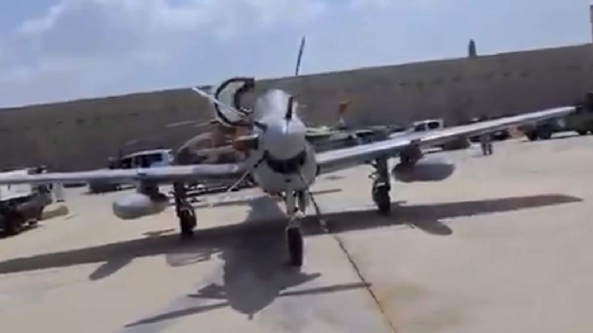 """""""Нікуди не полетять"""": США вперед виходом із Афганістану вивели з ладу вертольоти і бронемашини - 24 Канал"""