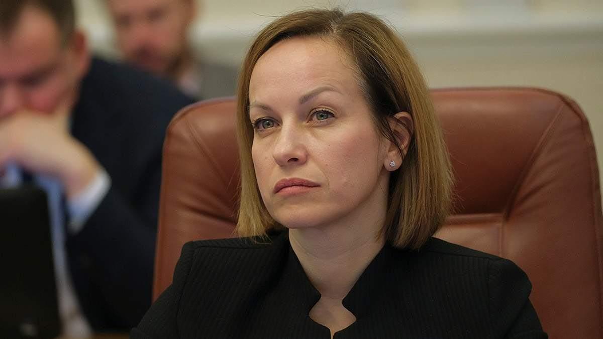 Депутаты высказывают свои претензии, – журналист прокомментировал вероятную отставку Лазебной