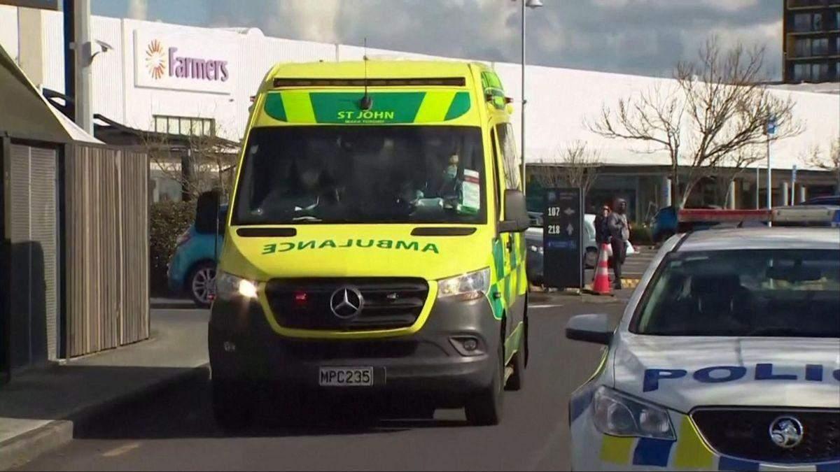У Новій Зеландії чоловік з ножем напав на людей у супермаркеті: влада заявила про теракт - 24 Канал