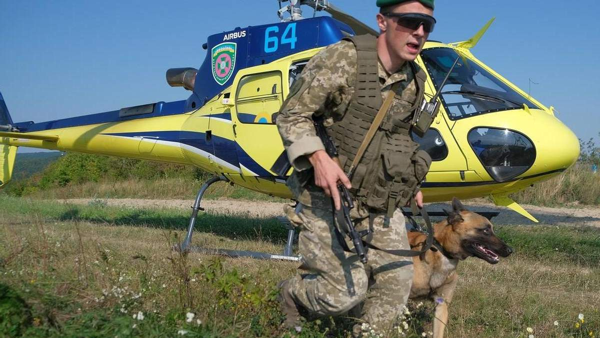 """Дорогі джипи, Ан-2 та підлітки-контрабандисти: підсумки потужної операції """"Карпати-2021"""" - Україна новини - 24 Канал"""