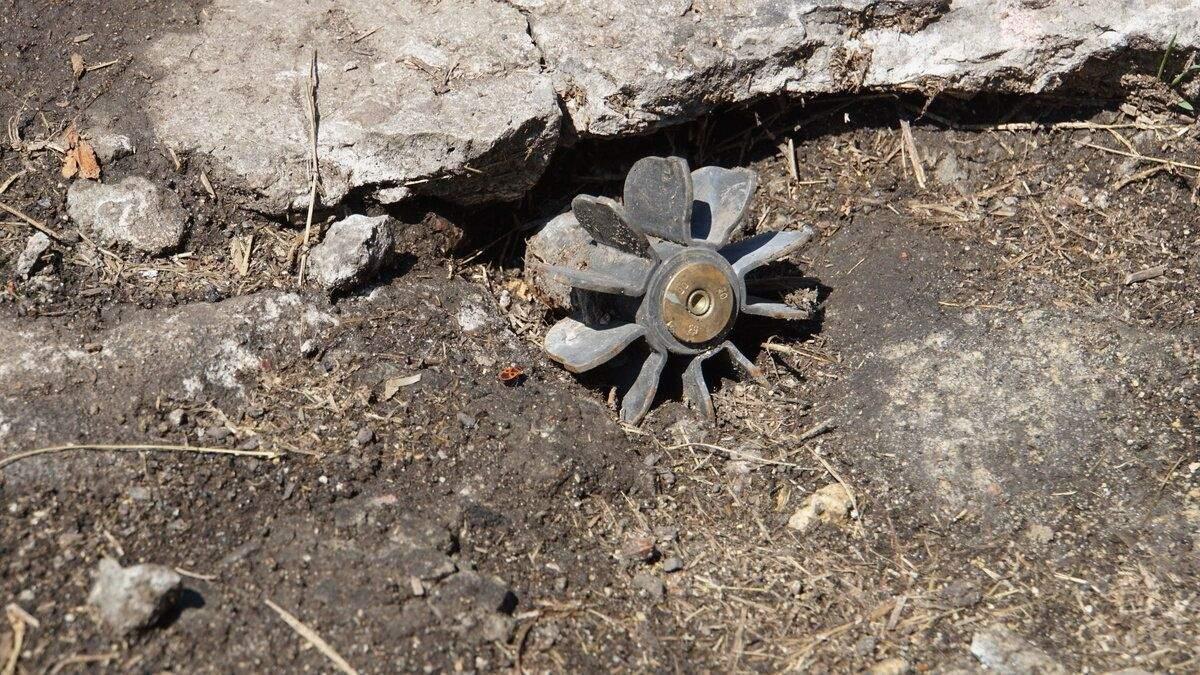 Боевики на Донбассе закладывают мины возле линии соприкосновения, – разведка