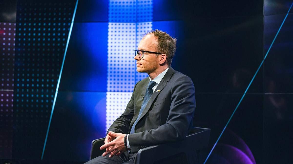 Рожевих окулярів не було, – міністр юстиції про критику закону про олігархів - 24 Канал