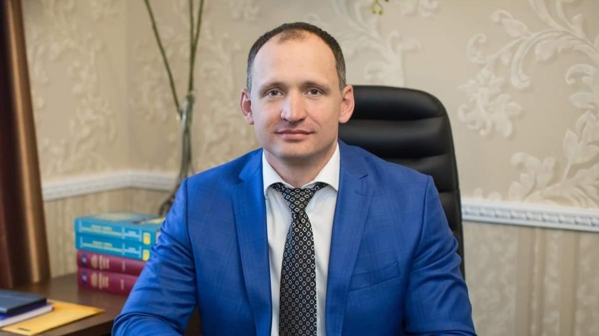 Парадокс влади: Татаров розважається з тими, хто б мав боротися проти нього - 24 Канал