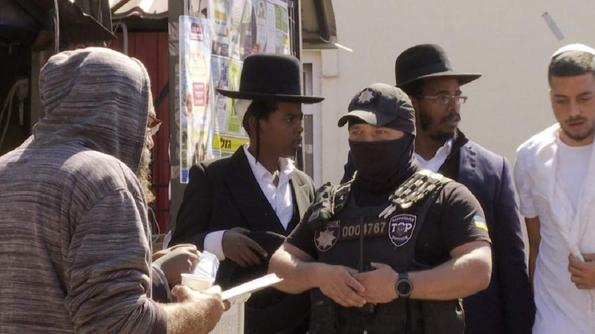 В Ізраїлі скаржаться, що хасиди повертаються з Умані з фальшивими тестами - новини Ізраїлю - 24 Канал