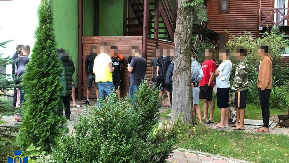 На Львовщине экс-полицейский нелегально переправлял бразильцев в ЕС