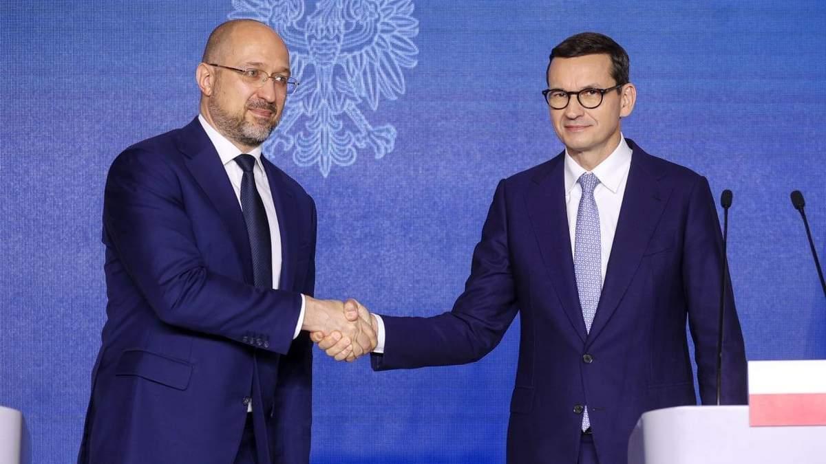 Польша протянула руку Украине