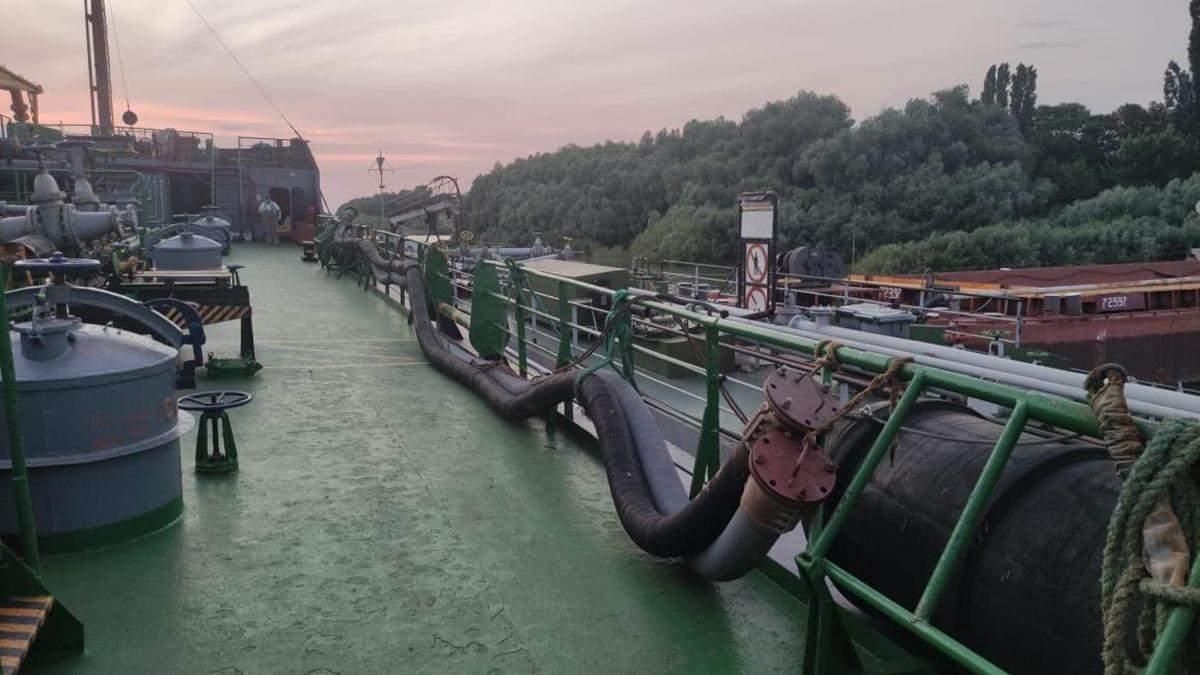 Через порти Одещини в Україну масово завозили російське пальне: ДБР викрило масштабну схему - Новини Одеси - 24 Канал