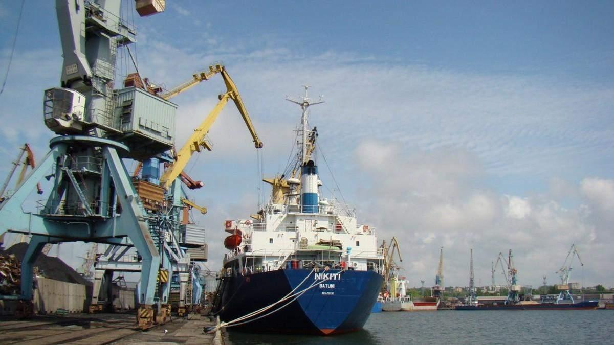Россия по 15 – 30 часов держит суда, идущие в украинские порты Азовского моря