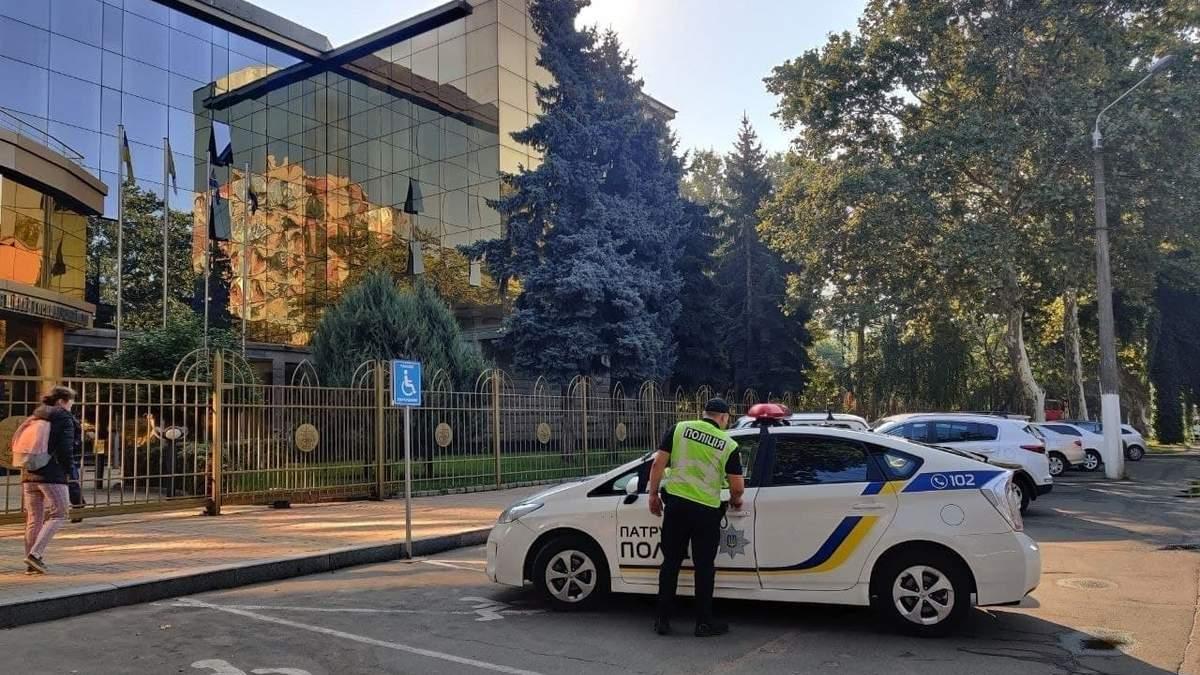 Шукають вибухівку в 3 судах Одеси: назвали список мінувань - 24 Канал