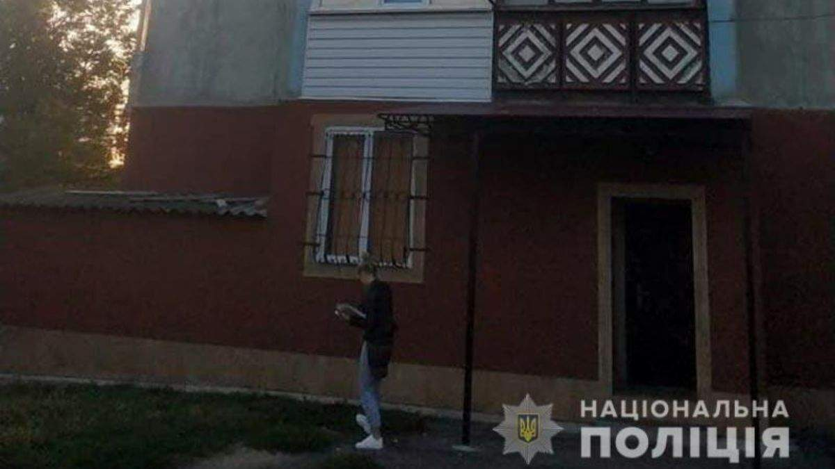 На Полтавщине несовершеннолетняя выпала из окна многоэтажки: в каком состоянии девочка