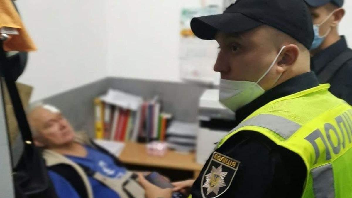 На Оболоні у Києві боржник за комуналку побив молотком електрика - Київ