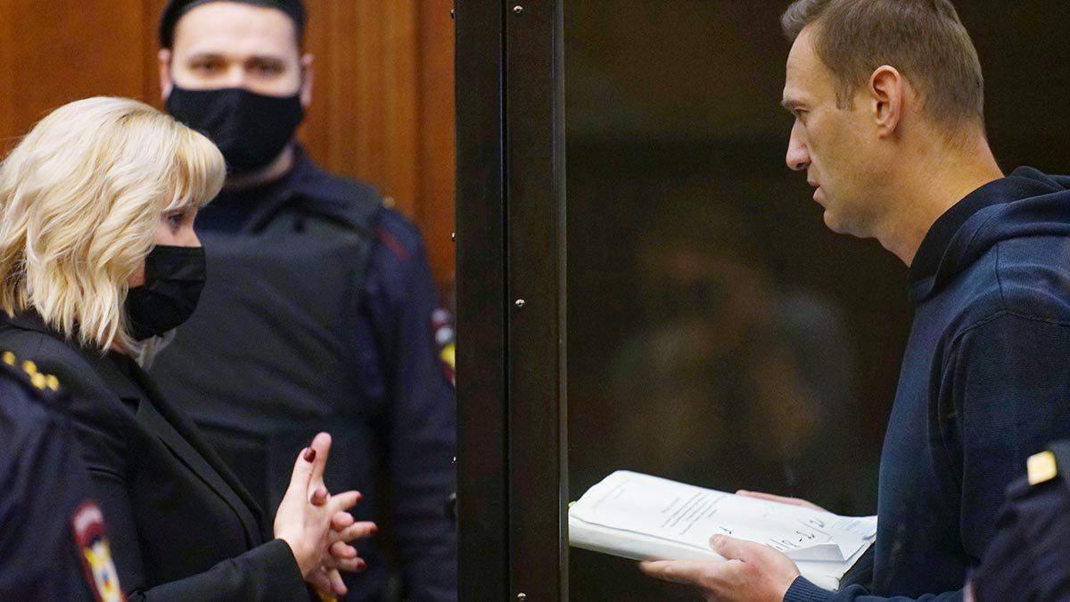 """Серія """"випадковостей"""" триває: у Росії померла суддя, яка відправила Навального в колонію - Новини росії - 24 Канал"""