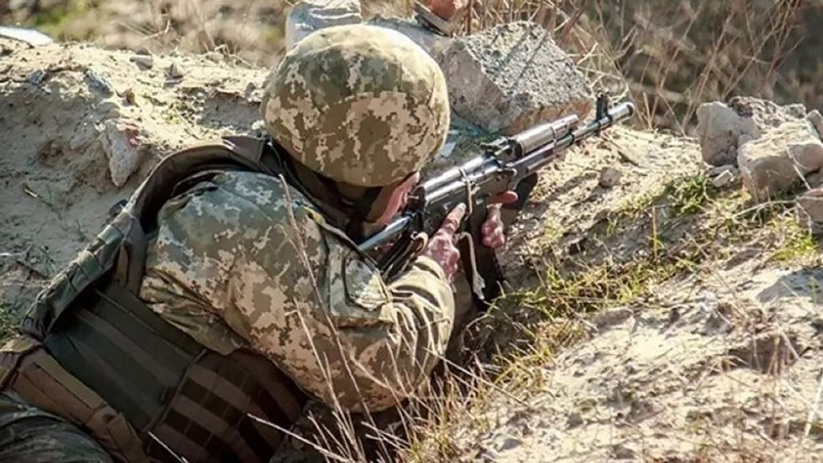 На Донбасі окупанти поранили 2 українських захисників: в якому вони стані - новини ООС - 24 Канал