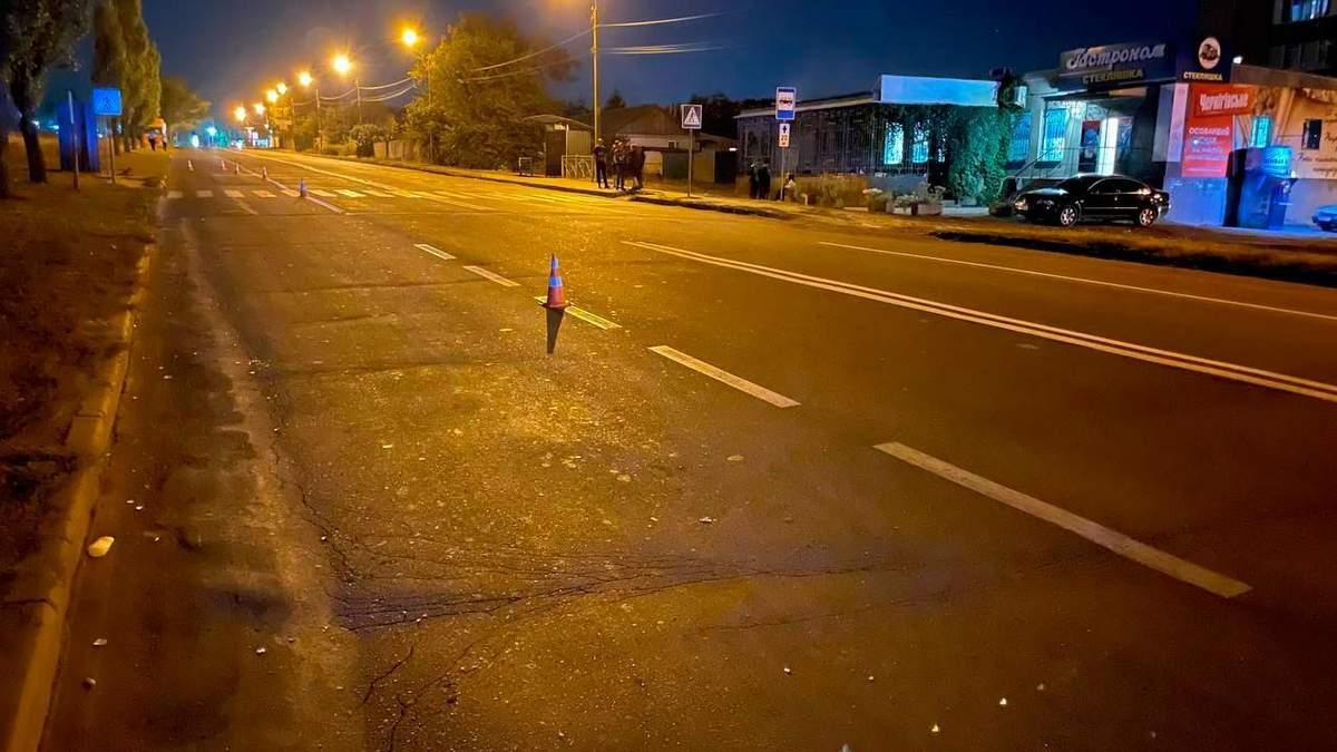 У Миколаєві авто на переході збило 11-річну дівчинку: за кермом міг бути підліток - Україна новини - 24 Канал