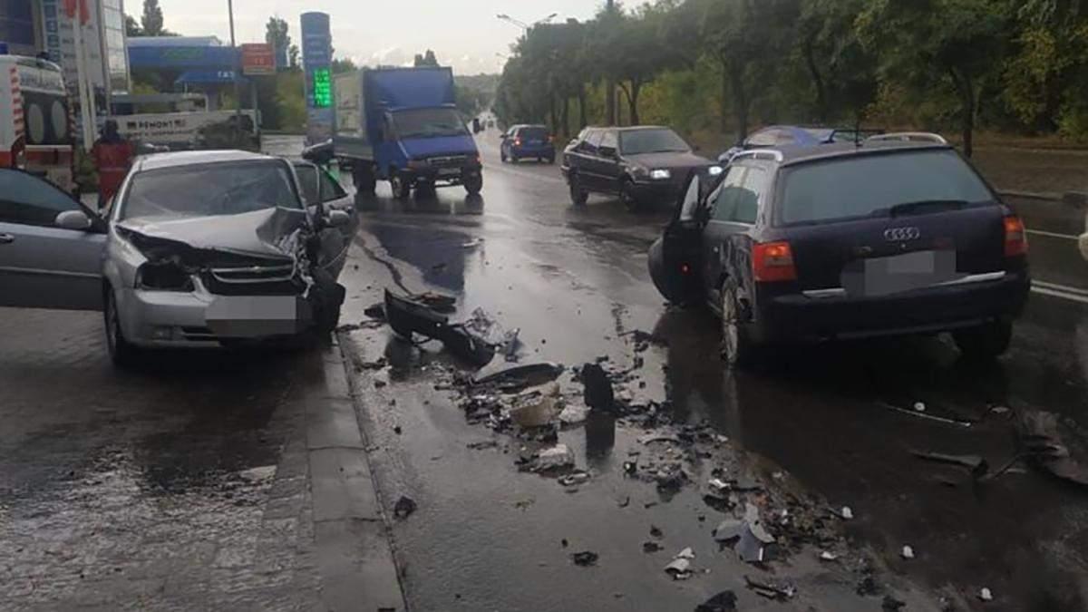В Харькове произошла масштабная авария с 4 авто: есть пострадавшие