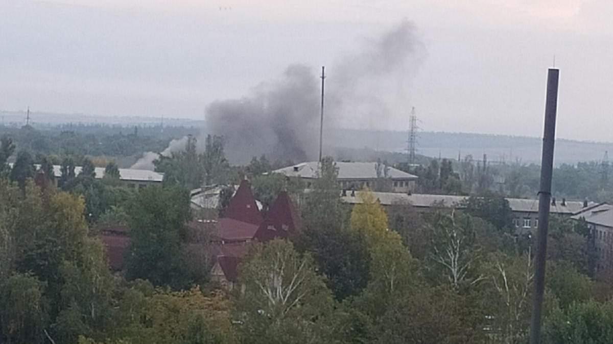 """В окупованій Ясинуватій здетонував склад боєприпасів, бойовики видавали це за """"обстріл ЗСУ"""" - Україна новини - 24 Канал"""